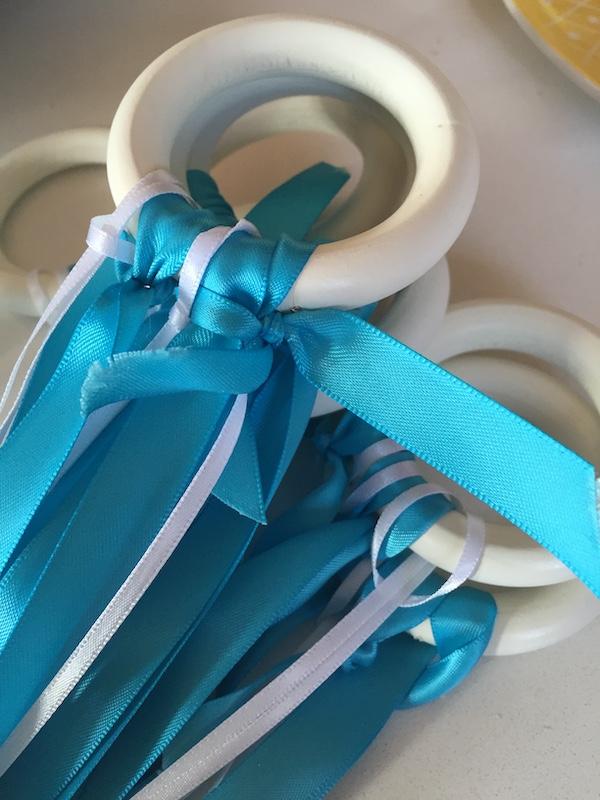 Elsa play ribbons